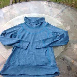 Kuhl teal pullover size s